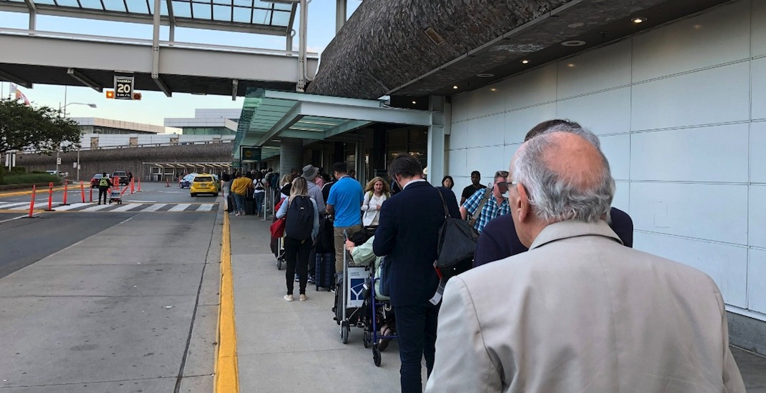 Vancouver international airport yvr taxi cabs lineups