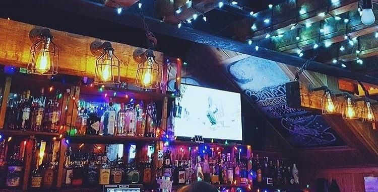 A new premium dive bar has opened up on Boulevard Saint-Laurent