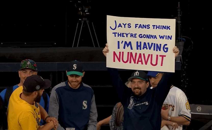 blue jays mariners sign guy