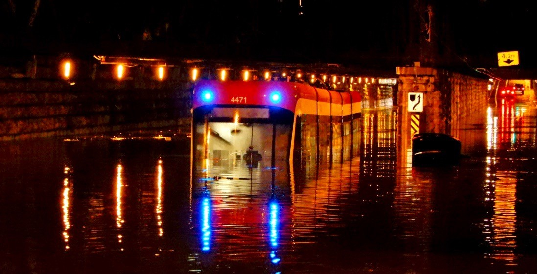 Toronto hit with flash floods last night, same storm could cause flooding in Montreal