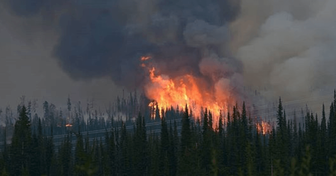Federal government steps in to provide support to fight BC wildfires
