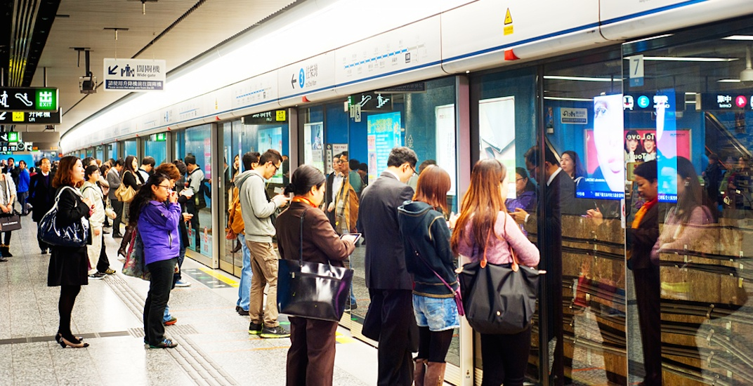 SkyTrain station platform screen doors are unfeasible, says TransLink
