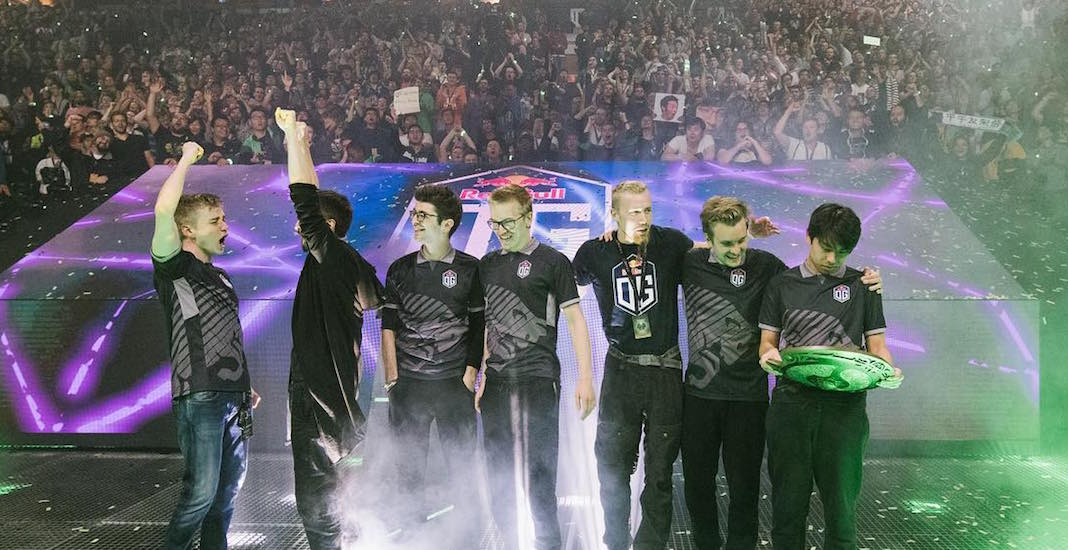 Sellout crowd packs Rogers Arena for Dota 2 final (PHOTOS)