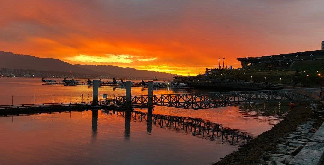 20 photos of Vancouver's beautiful sunrise this morning