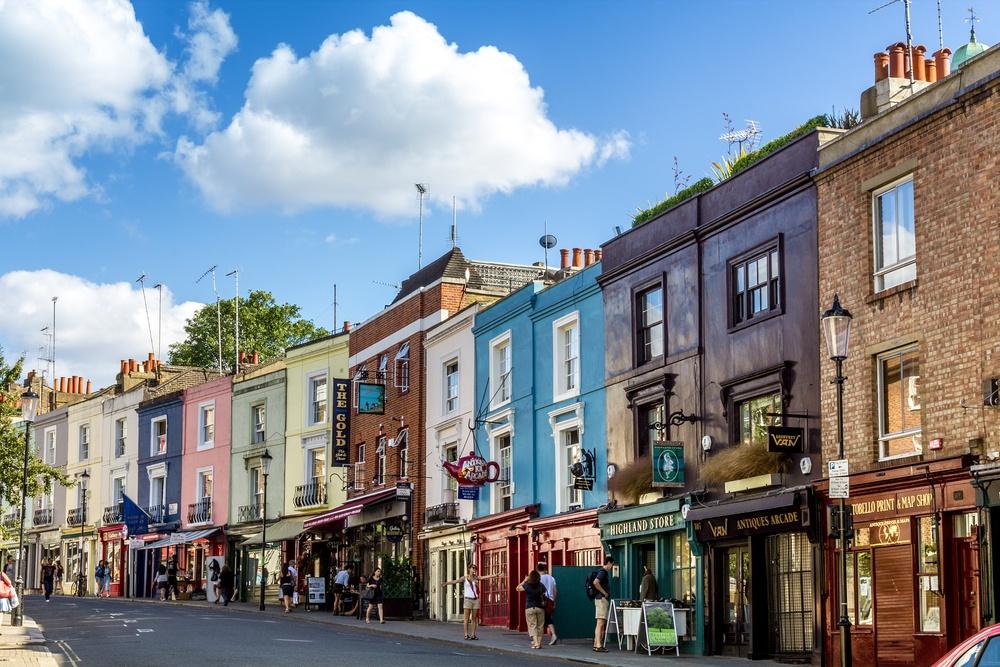 Notting Hill (QQ7 / Shutterstock.com)