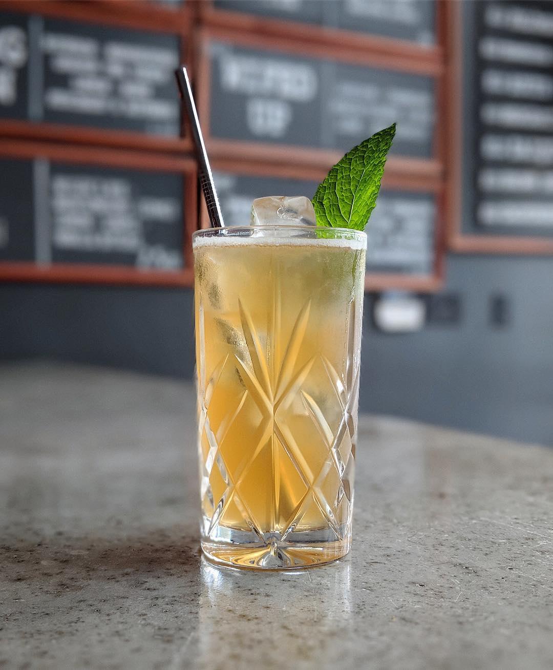 montauk bar