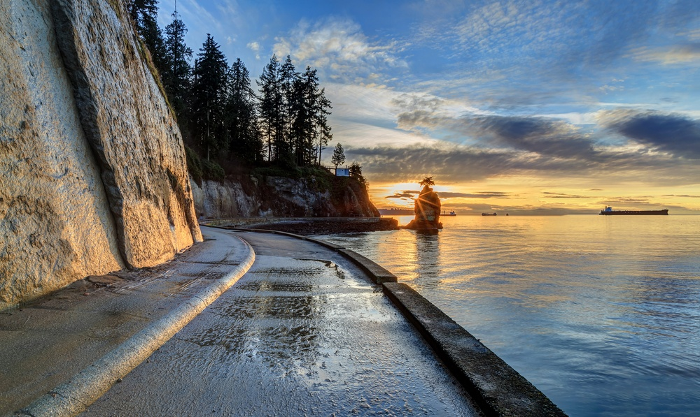 Stanley Park seawall reopens after maintenance work