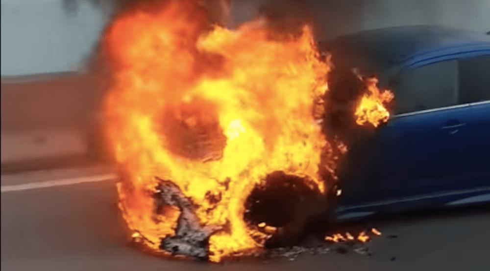 A car engulfed in flames shut down the Champlain Bridge this morning (VIDEO)