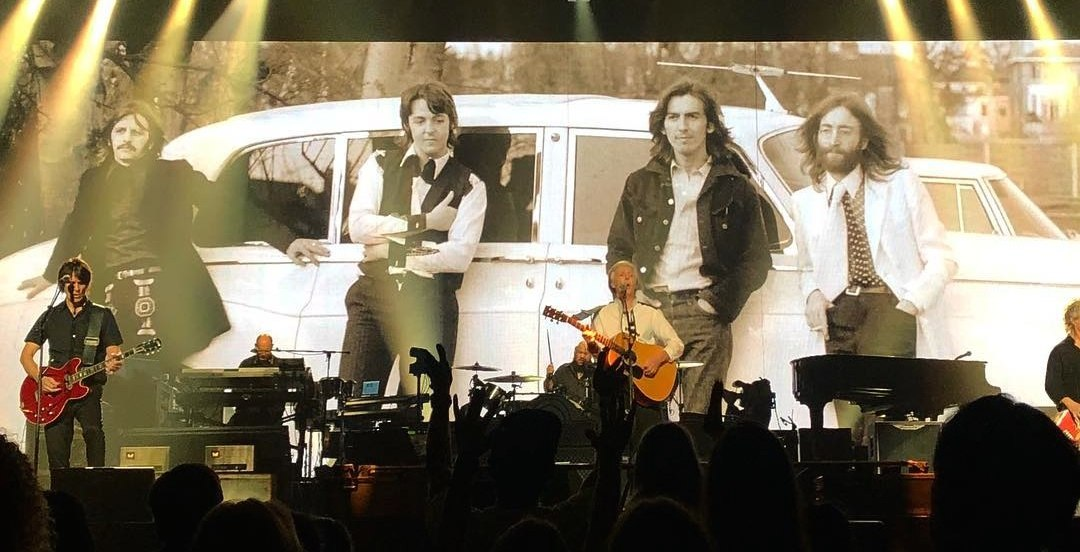 22 pictures of Paul McCartney rocking a sold-out Bell Centre last night