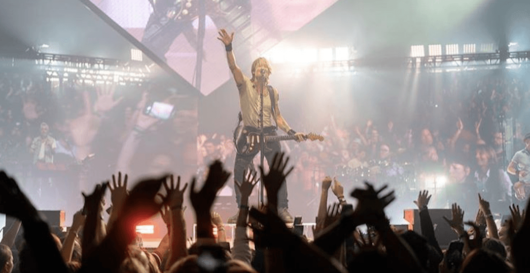 Keith Urban played a concert at the Saddledome and it was unreal (PHOTOS)