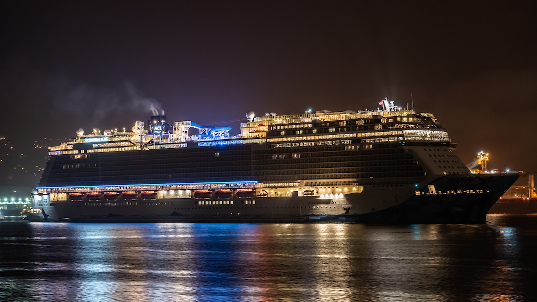 The Largest Cruise Ship To Ever Visit Vancouver Is Now