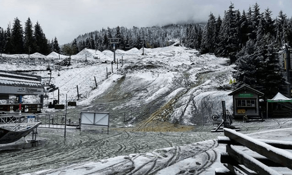 It's been snowing like crazy at Whistler Blackcomb today (PHOTOS)