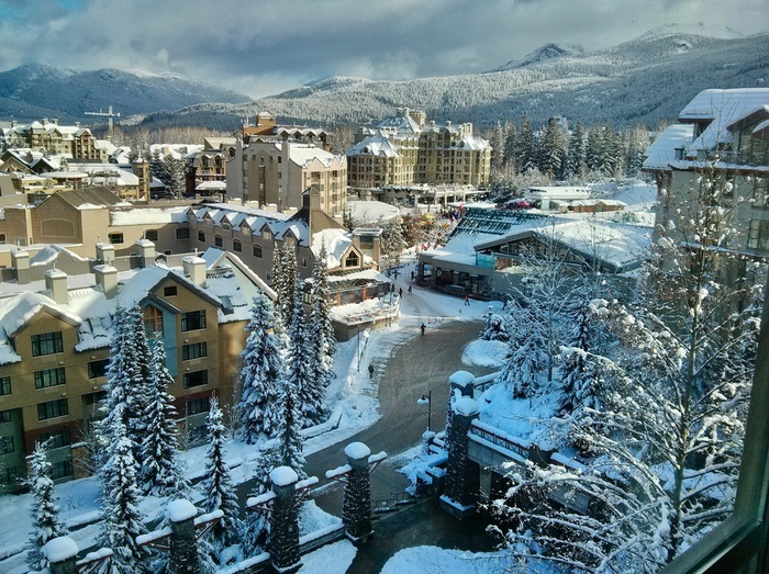 how to get to whistler from vancouver by car