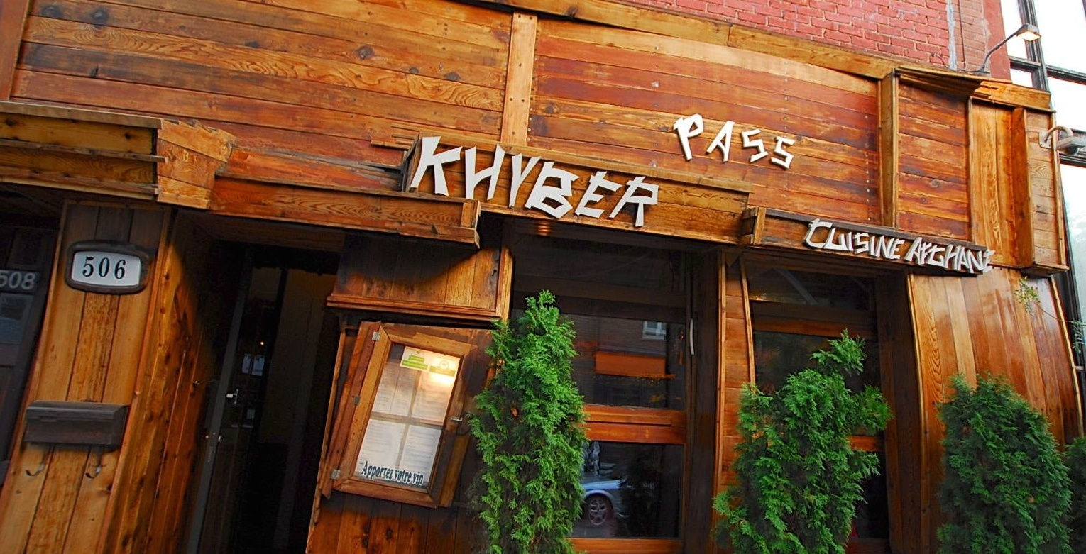 City officials forcing popular Le Plateau restaurant to change its wood exterior