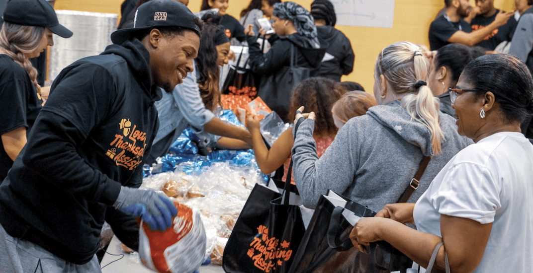Raptors' Lowry distributes hundreds of Thanksgiving meals to Toronto families in need