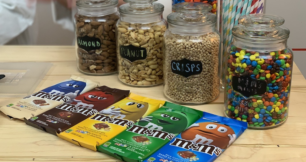 M&M'S® launched a new chocolate bar and we learned how to make it