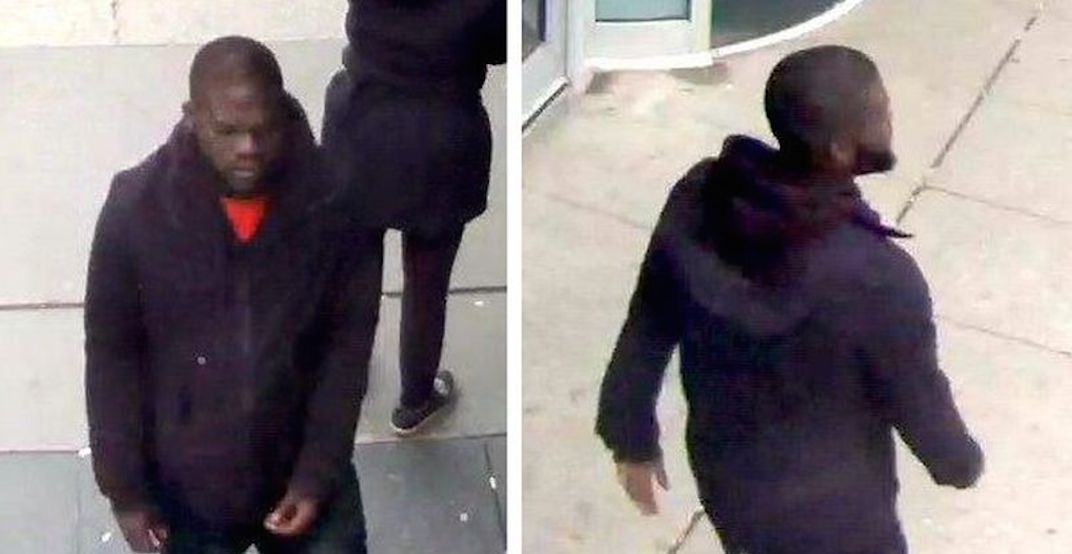 Man assaulted and slashed with knife at Yonge and Dundas