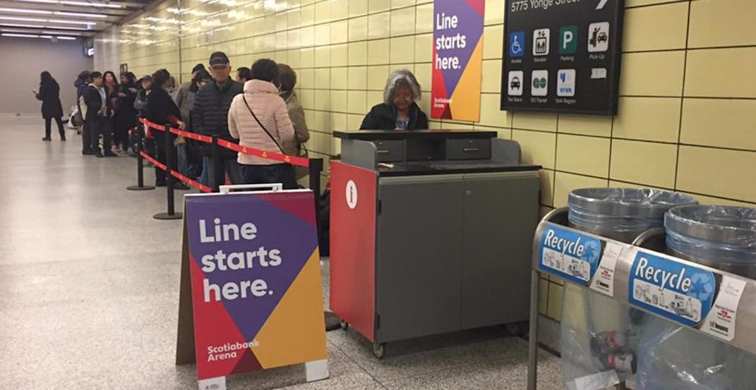 People lined up again for free PRESTO cards (PHOTOS)