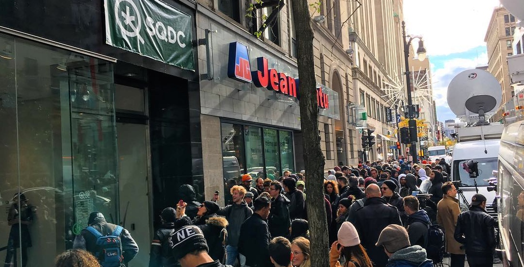 The lineups outside Montreal's cannabis shops haven't stopped all weekend (VIDEOS)
