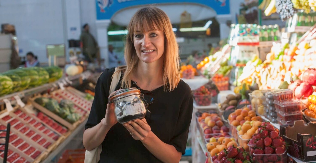 How this woman fit a year's worth of garbage into a small jar