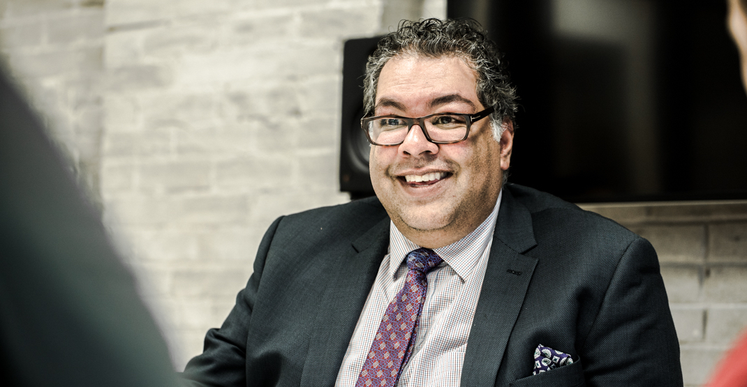 Calgary Mayor Nenshi trying to lure Vancouverites with promise of jobs, cheaper housing