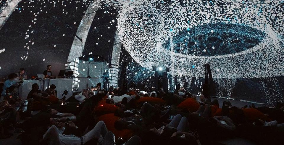 An immersive 'light and visual' art show is happening in Montreal all season (VIDEOS)