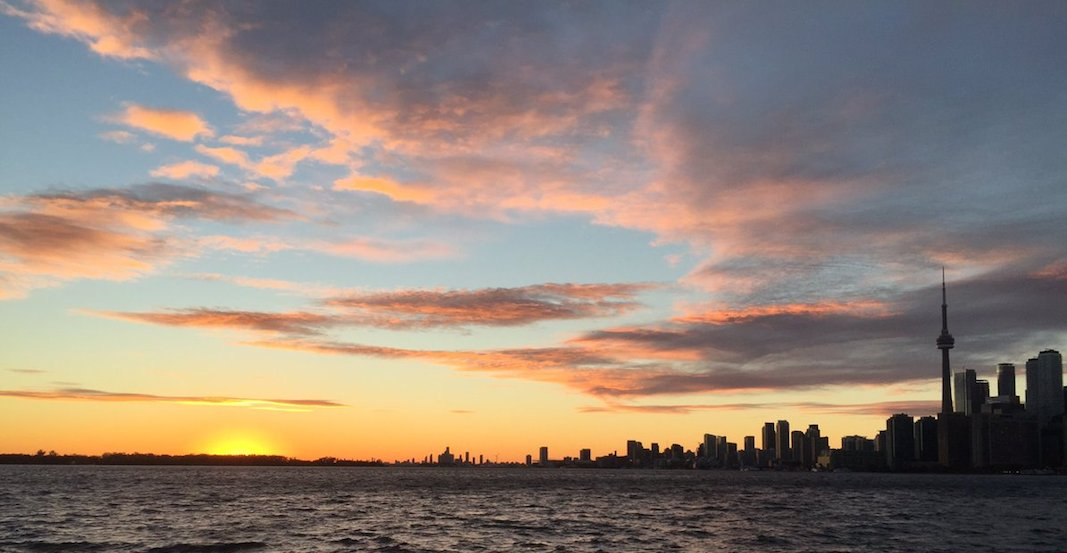 There was a phenomenal sunset over Toronto last night (PHOTOS)