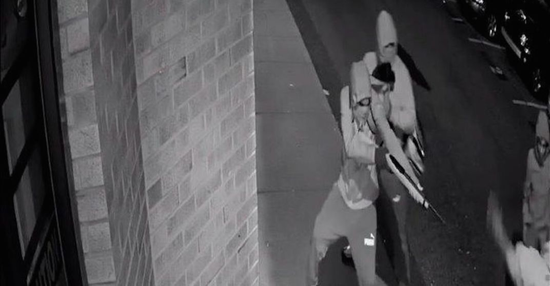 Chilling footage released as police search for 2 murder suspects (VIDEO)