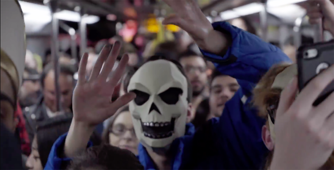 A Halloween dance party took over public transit last weekend (VIDEOS)