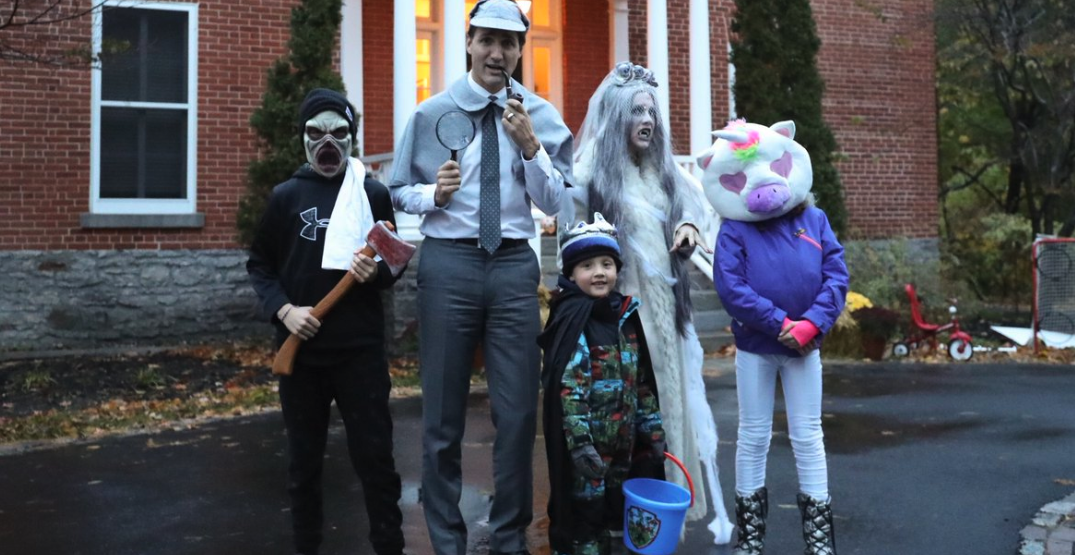 Justin Trudeau gets decked out with family for Halloween (PHOTOS)