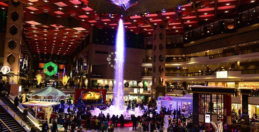 A magical 'Christmas fountain' is coming to this Montreal mall (PHOTOS)