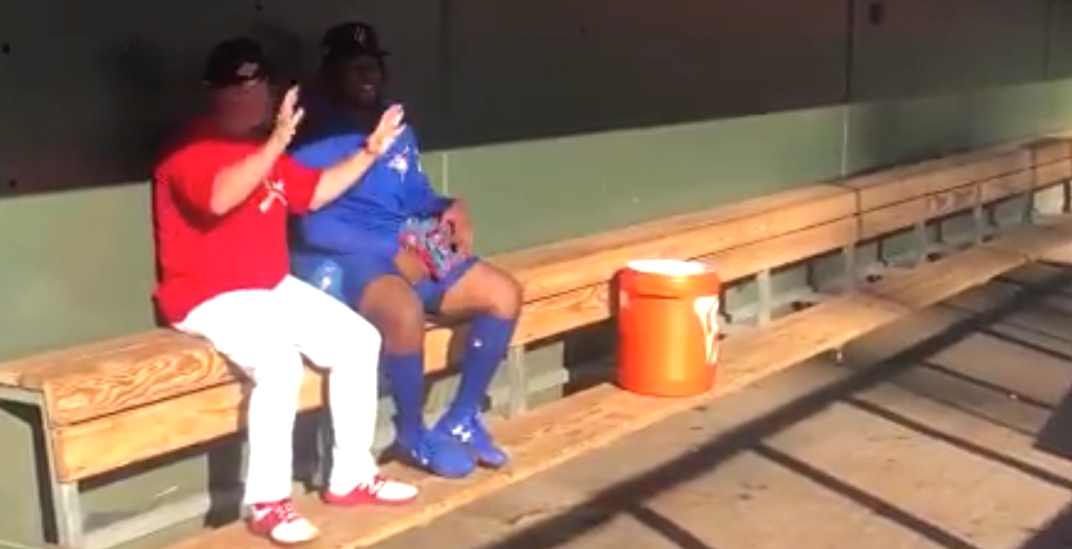 Blue Jays prospect Guerrero learns how to sing O Canada (VIDEO)