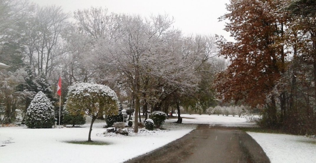 Snow has officially arrived in parts of Ontario (PHOTOS)