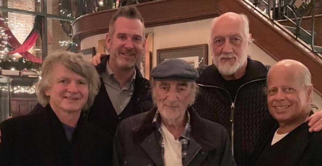 Fleetwood Mac spotted at this iconic Vancouver restaurant (PHOTO)