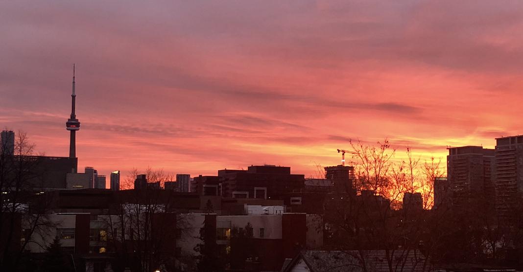 14 shots of this morning's amazing sunrise over Toronto (PHOTOS)