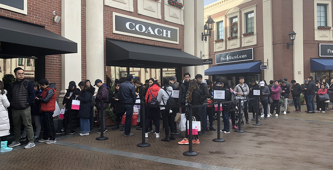 This is what McArthur Glen looks like on Black Friday (PHOTOS)