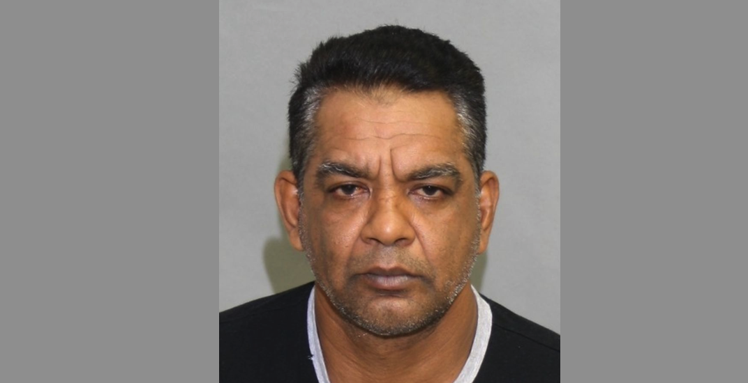 Police looking for Toronto man after violent attack on 16-year-old girl