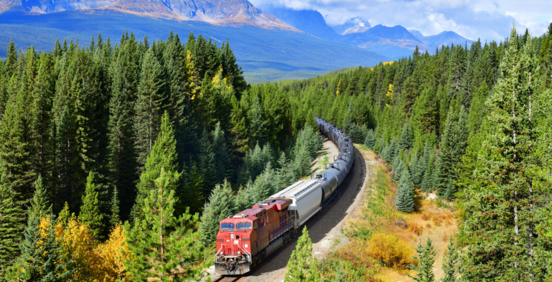 Bypassing pipelines: Alberta investing in train cars to ship crude oil