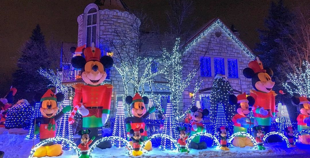 12 photos from Montreal's 'Christmas Display' Disney house