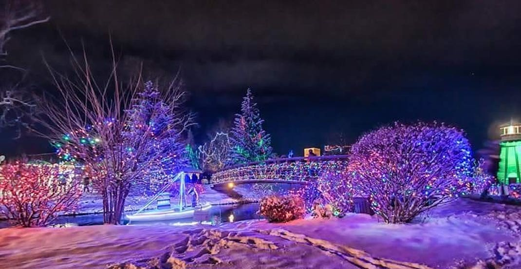 This Ontario town is home to a massive outdoor lights festival (PHOTOS)