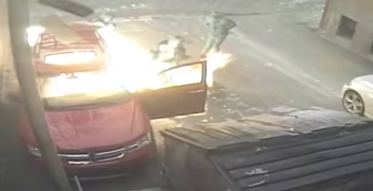 Montreal police search for three men who set fire to an SUV (VIDEO)