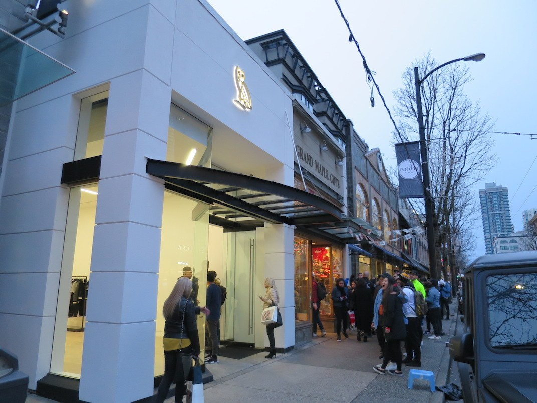 Line Into Drake S New Ovo Vancouver Store Stretched Down Robson