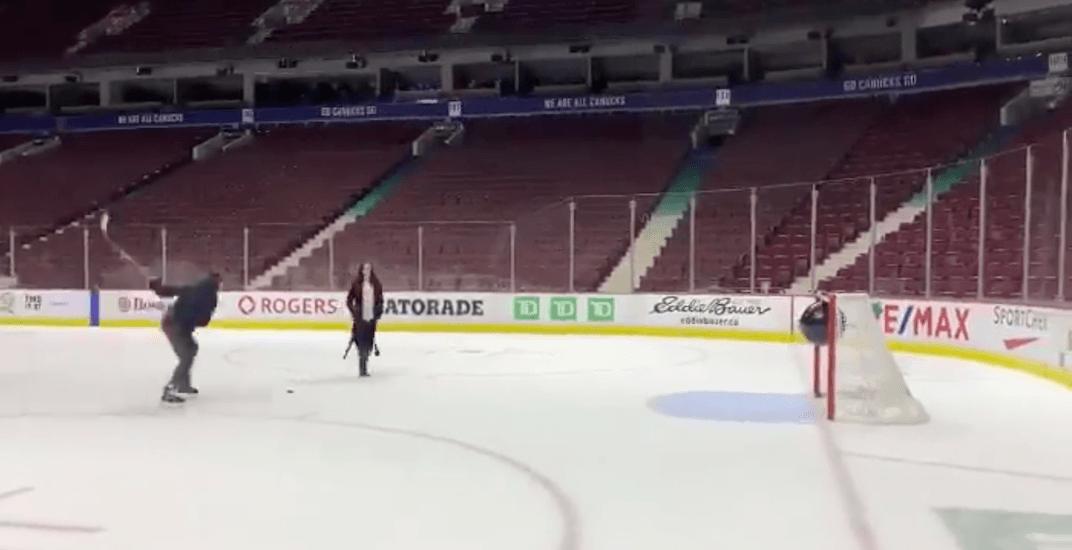 Sven Baertschi reveals baby's gender with slap shot on Canucks ice (VIDEO)