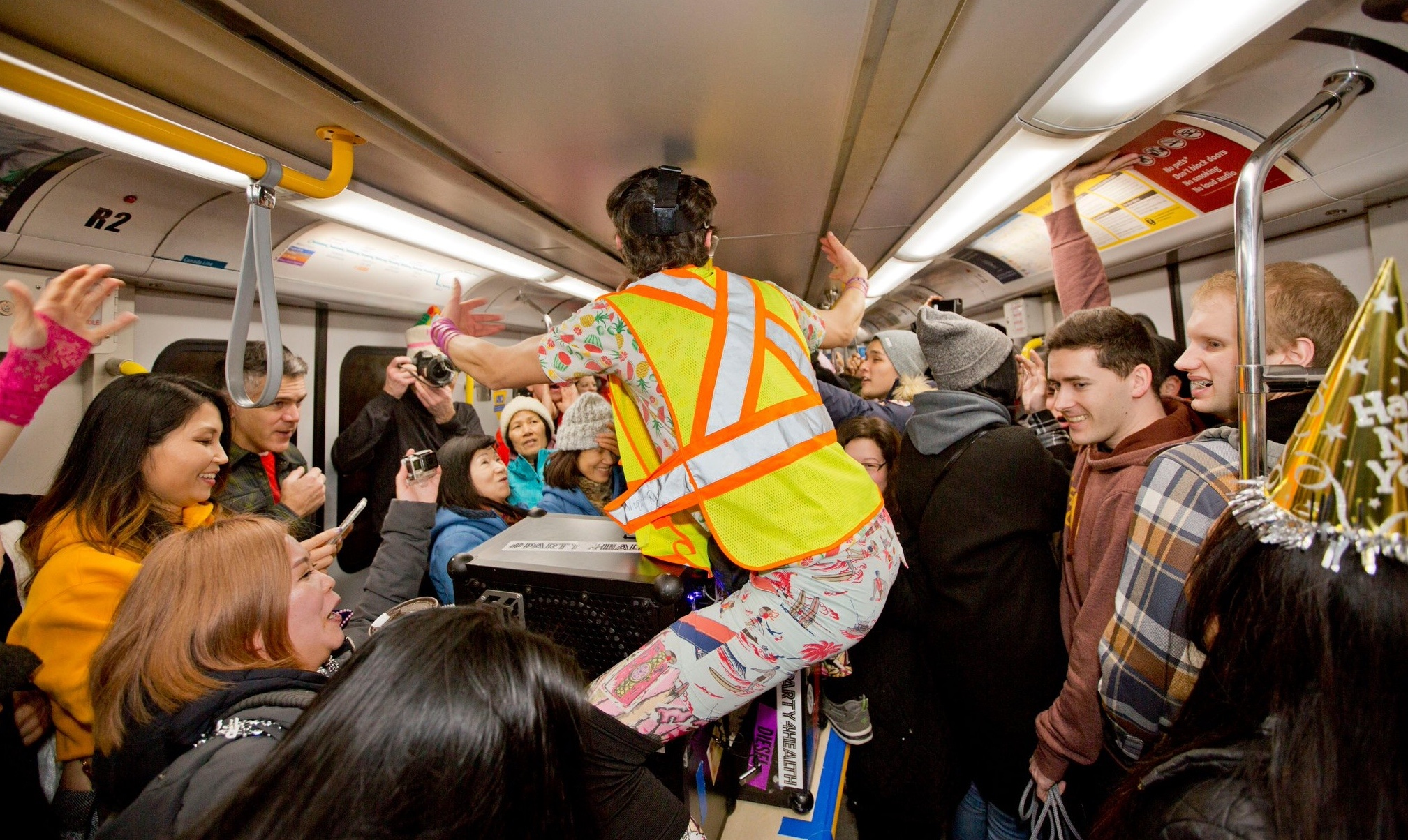 The SkyTrain turned into an epic New Year's Eve dance party again (VIDEOS)