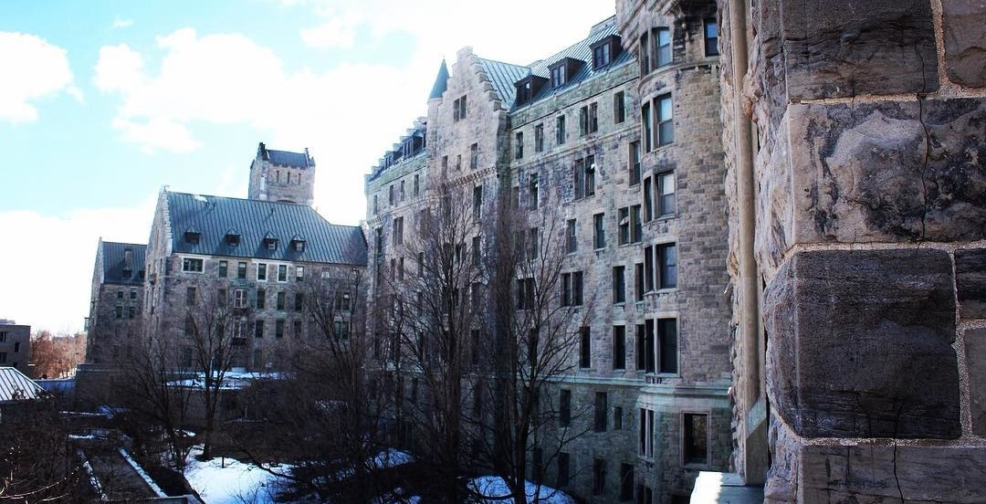 The old Royal Victoria Hospital will house Montreal's homeless during cold snap