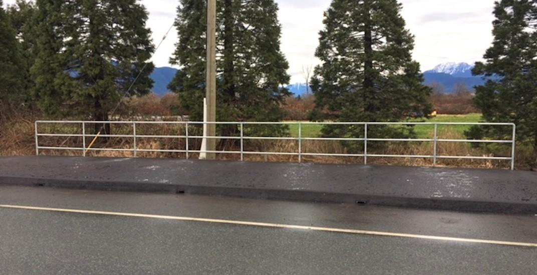 Lougheed bus stop pitt meadows