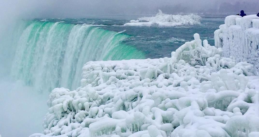 Niagara Falls is once again a frozen winter wonderland (PHOTOS)