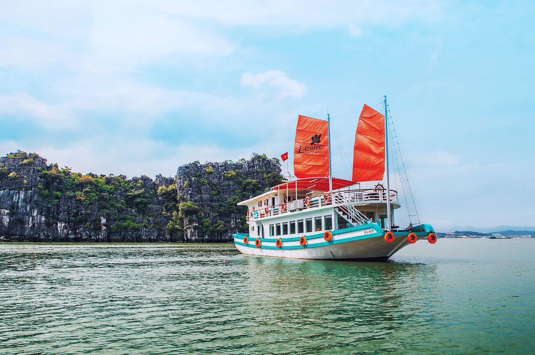 L'Azalee Cruises in Halong Bay