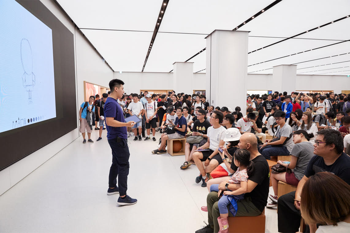 Apple is going to start offering almost 60 FREE new classes at its stores