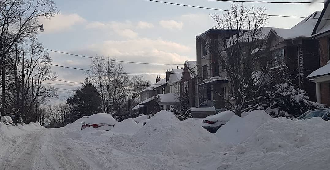 What Toronto looks like after being hit by yesterday's huge snowstorm (PHOTOS)
